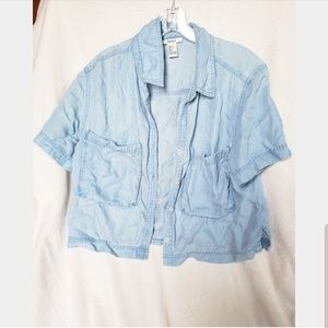 🌍Forever 21 Faux Denim Button Up Top🌍